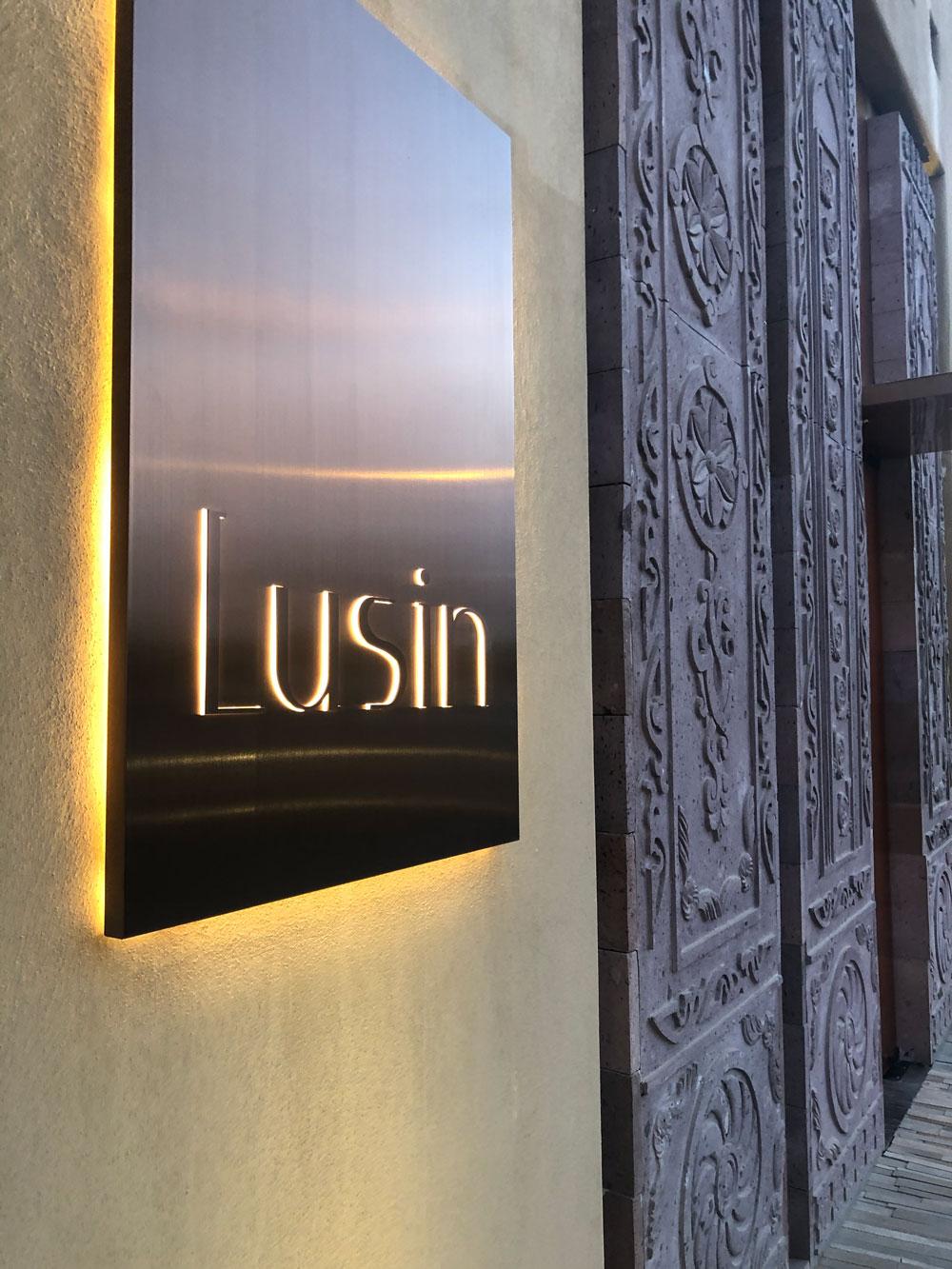 Lusin-30-Work-By-YaStudio