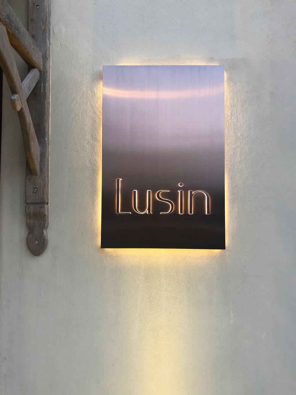 Lusin-31-Work-By-YaStudio